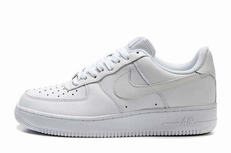 nike blanche courir