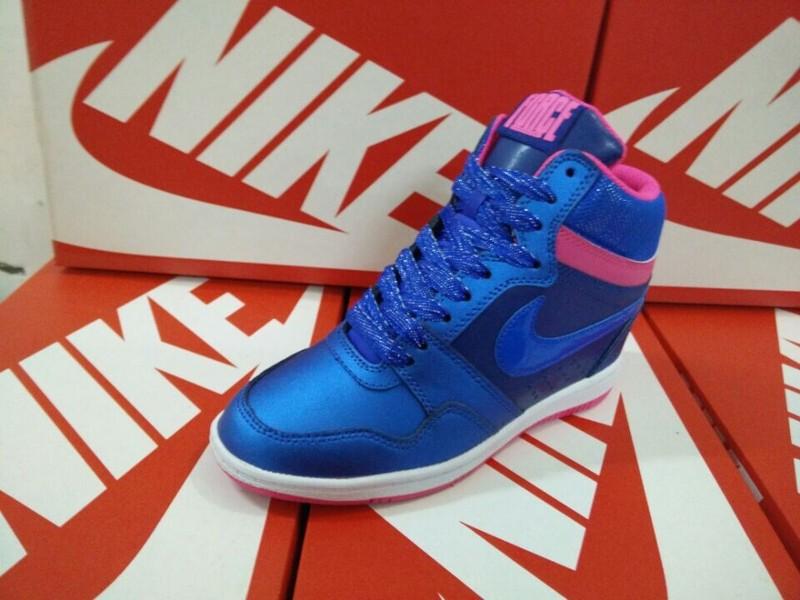 timeless design 8c24d eccbc Nike basket Pro Noir Femme Mid Dunk High nike Sky r4RqrC